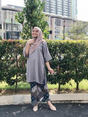 Jasmine Tunic Kurung in Grey